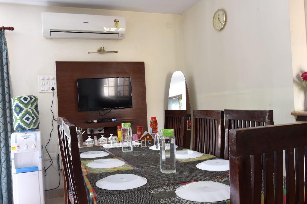 Chennai service apartments | Dining area