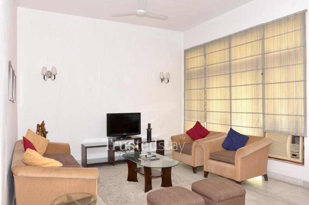 Living place |  luxurious homely stay in Greater Kailash, New Delhi