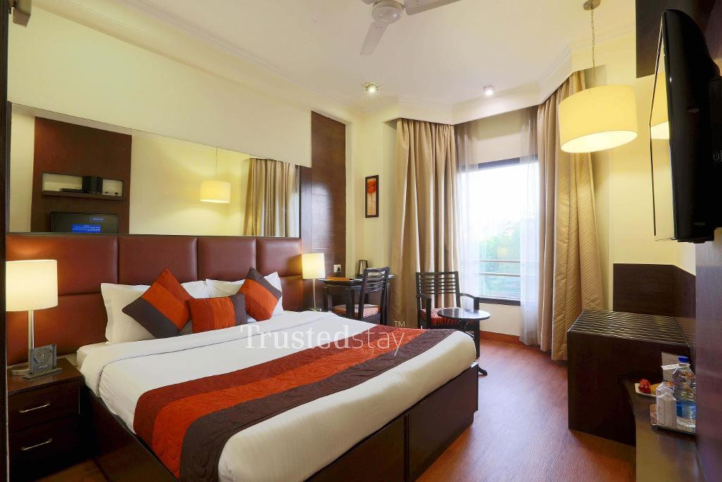 Master Bed room |  Fully furnished Service apartments in Gurgaon