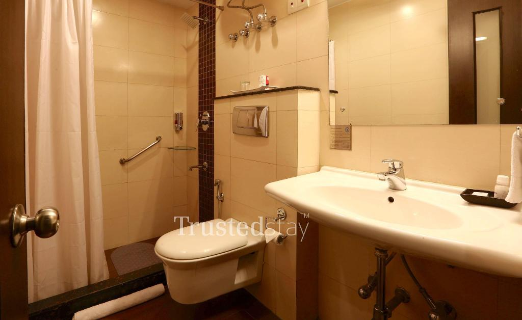 service apartments in New Delhi | rest room
