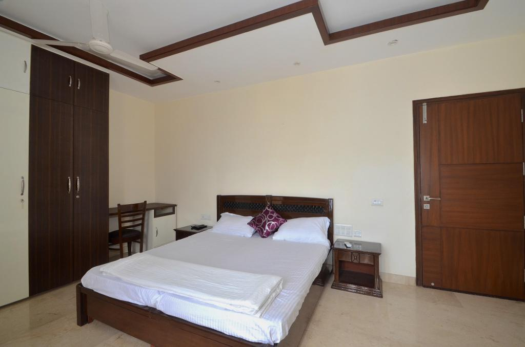 Master Bedroom | serviced apartments in New Delhi