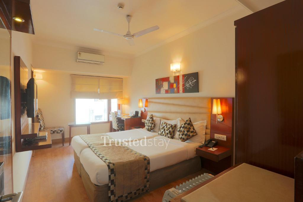 serviced apartments in New Delhi | Master Bedroom