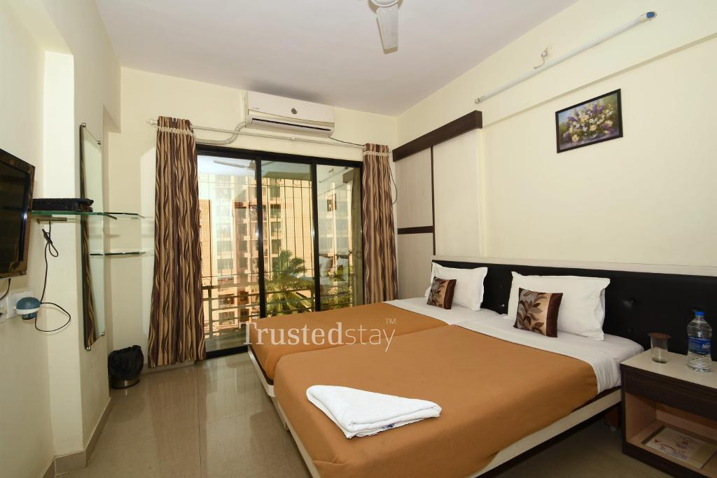 Service apartments in Andheri East | Master Bedroom